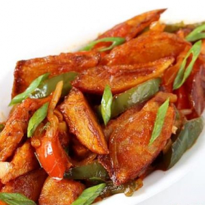 S11. Potato Slices with Chilli and Garlic Sauce